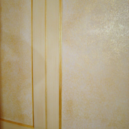 Gold Shimmer Effect Wall Treatment With Gilded Beading